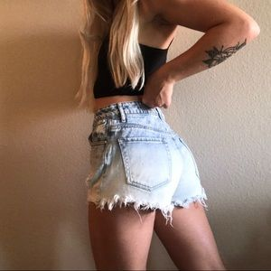 Acid wash distressed high waisted shorts